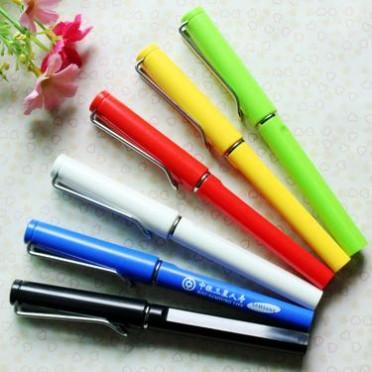 新款中性笔 铁丝金属笔夹彩色中性笔 黑色签字笔 广告笔定制logo